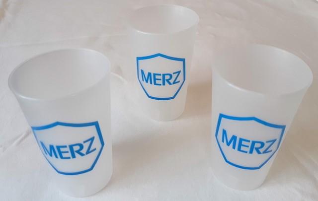 Des gobelets design pour Merz Pharma SA